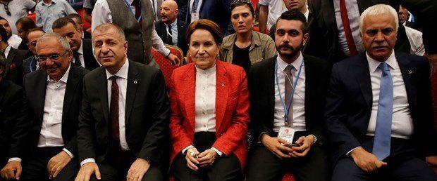 MHP kurultayı Genel Başkan Adayları Meral Akşener, Sinan Oğan, Ümit Özdağ, Koray Aydın, Mustafa Sait Gönen ve Süleyman Servet Sazak salonda.