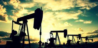 Petrol kuyusu azalıyor; üretim artıyor
