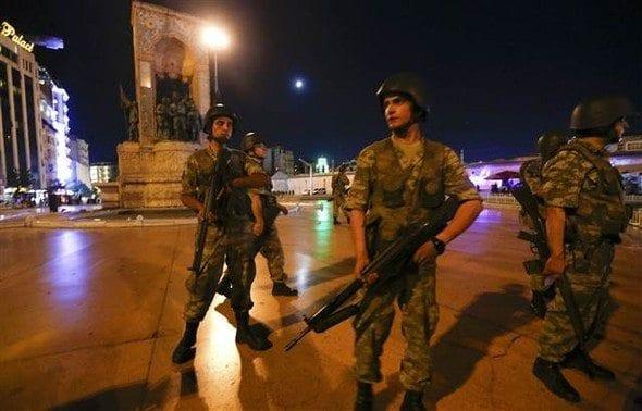 15 temmuz darbe girişimleri asker erler erbaş istiklal caddesi taksim meydanı