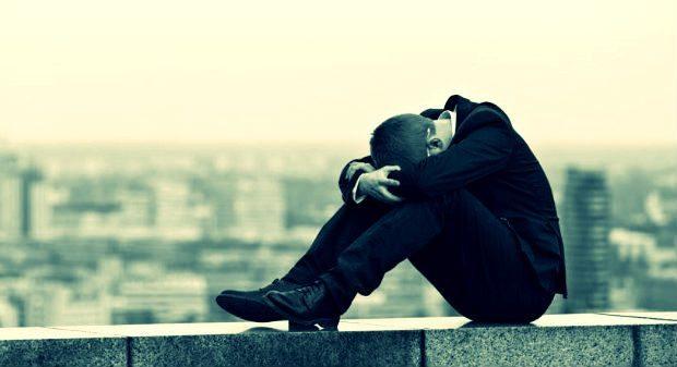 Acımasız toplumsal yargılar intihar eğilimini artırıyor!
