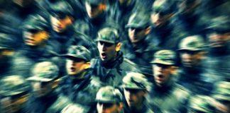 Türk Silahlı Kuvvetleri'nde çok önemli değişiklikler yapıldı. Kararname kapsamında 1389 askeri personel Türk Silahlı Kuvvetleri'nden ihraç edildi. Kara, Deniz ve Hava Kuvvetleri Komutanlıkları, Milli Savunma Bakanı'na bağlandı. YAŞ'ın yapısı değişti. İşte tüm değişiklikler...