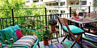 Balkon her ne kadar yeni yapılan binalarda çok küçük kalsa da basit önerilerle konforlu ve nefes alabileceğiniz bir alan yaratabilirsiniz...