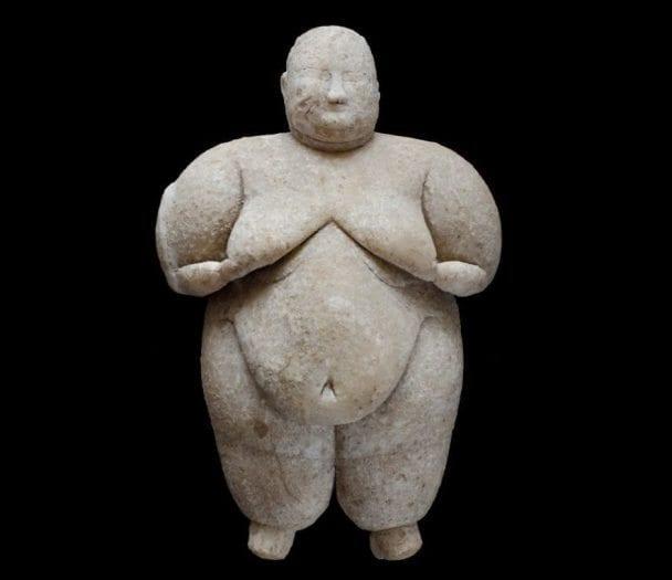 Çatalhöyük'te Neolitik Dönem'e ait'eşsiz' kadın heykelciği bulundu