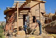 Kırşehir'de bir çift, çamur ve samanla doğal ev yaptı