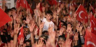 Moody's: Türkiye ekonomisi 15 Temmuz'u atlattı