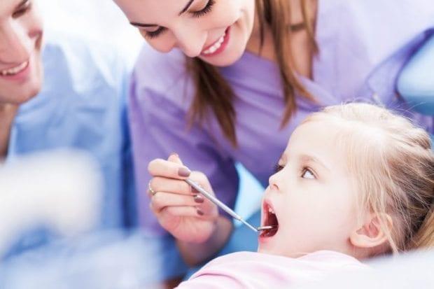 Bebeklerde sağlıklı diş gelişimi için 4 önemli tavsiye