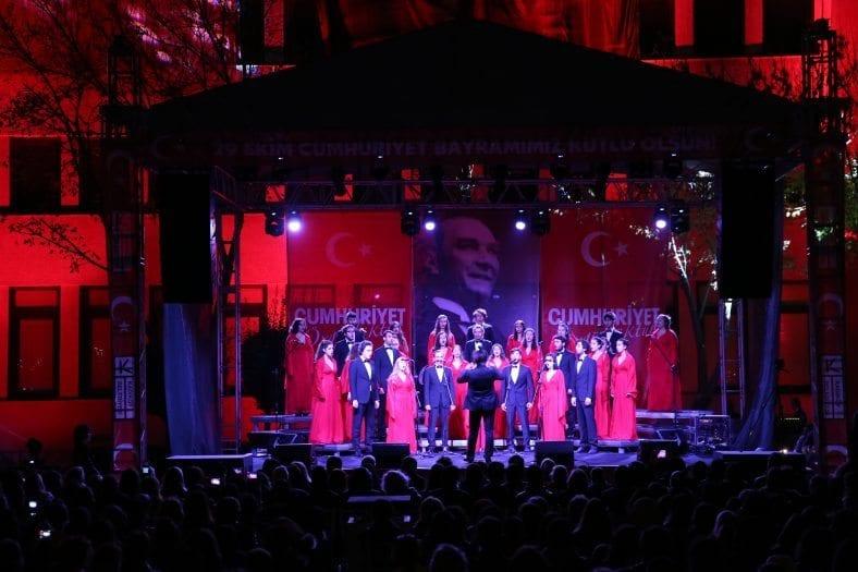 kadikoy belediyesi cumhuriyet kutlamasi