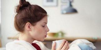 Boğaz ağrısı için ılık sıvı tüketimi tavsiye ediliyor