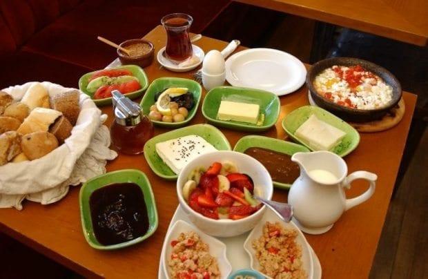 Kahvaltı çocuklarda akademik başarıyı artırıyor!