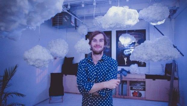 richard clarkson fırtına bulutu havada süzülebilen bluetooth hoparlör tasarımı