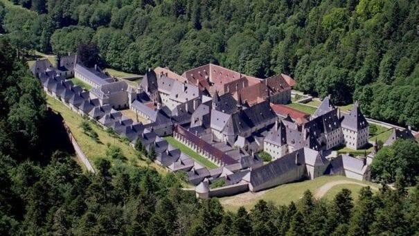 Chartreuse likörü 1860'a kadar manastırda yapılıyordu.