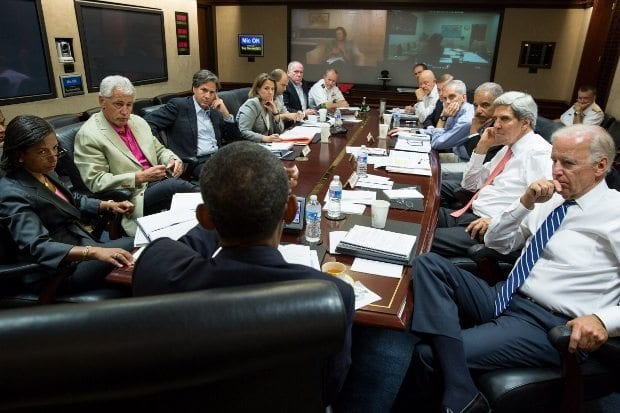 august-31-2013-president-barack-obama-meets-in-the-situation-room-with-his-national-security-advisors-to-discuss-strategy-in-syria-saturday-620x413