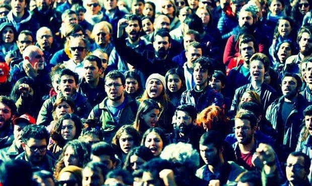 Beyazıt'ta OHAL KHK'ları ve akademik baskı protestosu