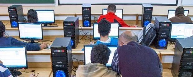 """""""Bilgisayar ve Yazılım"""" en geçerli ve en çok kazanan mühendislik alanı"""