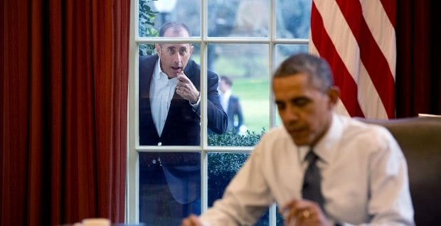 december-7-2015-comedian-jerry-seinfeld-knocks-on-the-oval-office-window-to-begin-a-segment-for-his-series-comedians-in-cars-getting-coffee-620x318