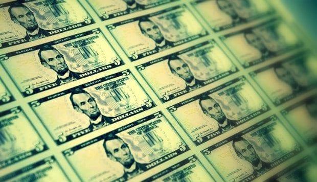 Dolar endeksi son 11 ayın zirvesinde! Dolar/TL FED'in fazi artırma olasılığının yükselmesiyle 3.32 seviyesine ulaşarak gün içinde rekor üzerine rekor kırdı.