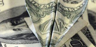 Dolar rekor üstüne rekor kırıyor
