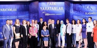 Fark Yaratanlar Programı: Tik Tourette Sendromu'nu Türkiye'ye anlatıyor