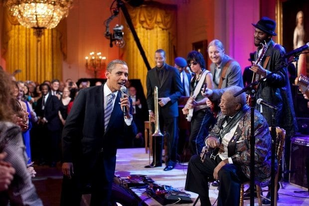 feb-21-2012-president-obama-joins-in-singing-sweet-home-chicago-during-the-in-performance-at-the-white-house-red-white-and-blues-concert-in-the-east-room-of-the-white-house-620x413