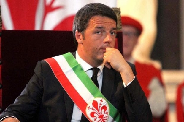 İtalya Başbakanı Renzi, AB bayrağını indirtti