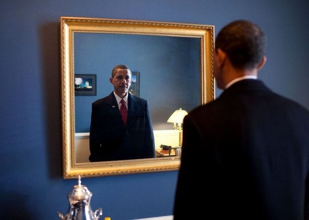 jan-20-2009-president-elect-barack-obama-was-about-to-walk-out-to-take-the-oath-of-office-backstage-at-the-us-capitol-he-took-one-last-look-at-his-appearance-in-the-mirror-620x443