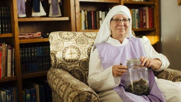 Rahibe Meeusen, kendilerini bölgeden uzaklaştırma girişimlerine karşı çıktıklarını söylüyor.