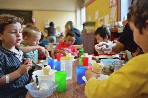 Çocukta zeka gelişiminin %80'lik kısmı 7 yaşına kadar tamamlanıyor ve öğrenme becerisi de bu yaşlarda çok hızlı gelişiyor okul öncesi