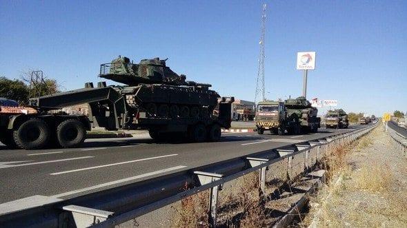 türk silahlı kuvvetleri Silopi'ye zırhlı birlikler gidiyor. Ankara ve Çankırı'dan tanklar, tank kurtarıcıları ve zırhlı tekerlekli araçlar Şırnak Silopi'ye doğru yola çıktı.