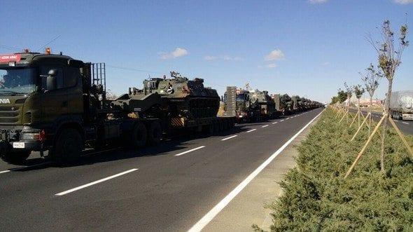 Silopi'ye zırhlı birlikler gidiyor. Ankara ve Çankırı'dan tanklar, tank kurtarıcıları ve zırhlı tekerlekli araçlar Şırnak Silopi'ye doğru yola çıktı.