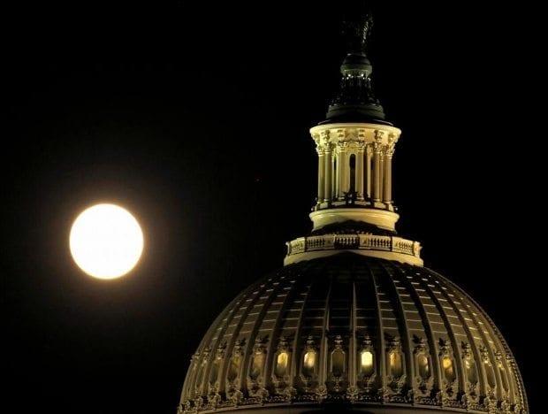 süper ay fotoğrafları görüntüleri dolunay video washington dc abd