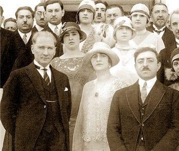 Atatürk ve Türk kadınına verdiği önem