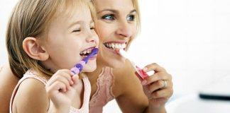 Dişlerinizi doğru fırçalıyor musunuz?