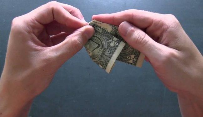 """Dolar üzerinden yapılan döviz sözleşmeleri TL'ye çevrilebilir mi? Cumhurbaşkanı Erdoğan'ın """"Dolar yerine TL kullanın"""" çağrısı üzerine..."""