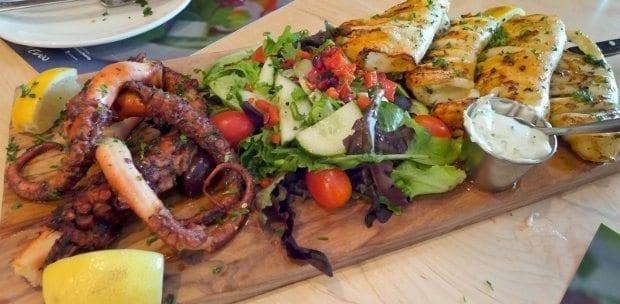 Thassos'un en ünlü restoranı Karambosa
