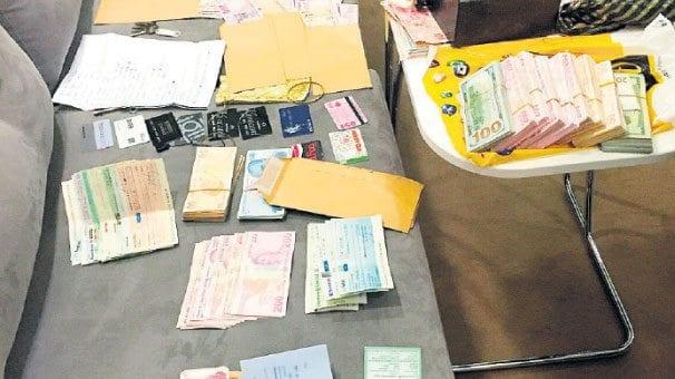 Hakkında gözaltı kararı verilen iş adamları Hakan G, Abdullah Yıldırım D, Ferhat E, Gürkan Z. ve Saffet Ö'nün 10 Temmuz 2014'te Atatürk Havalimanından 48 kilogram ağırlığındaki 5 bavulla Tanzanya'ya çıkış yaptıkları, 14 Temmuz 2014'te 18 kilogramlık 1 çanta ile dönüş yaptıkları tespit edildi.