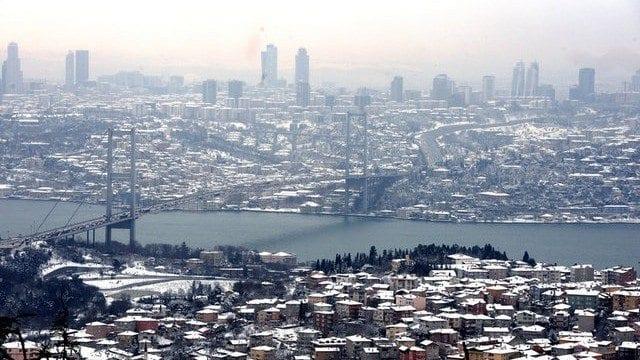 istanbul kar yağışı köprüler iş çıkışı trafik