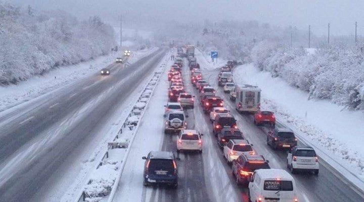 akom'dan istanbul için kar uyarısı trafik