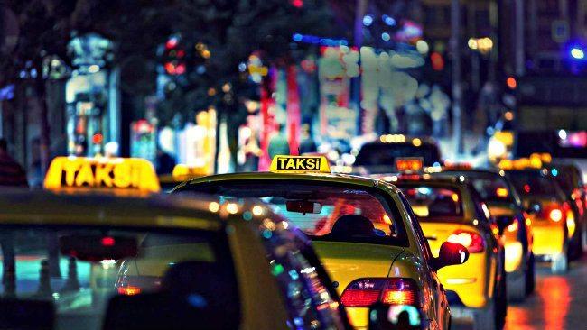İstanbul'da taksi düzenlemesi: İndi bindi ücreti geliyor!