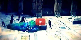 Video: İtalya'da yılbaşı ağacına saldırarak parçaladılar noel