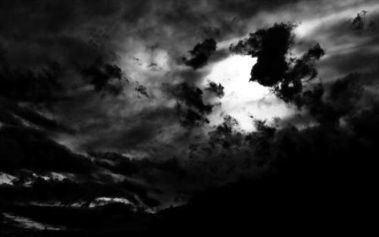 Karanlık, kıyım ve kıyam