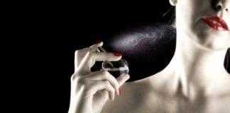 Parfüm sıkarken bir kez daha düşünün! Kısırlığı tetikliyor!