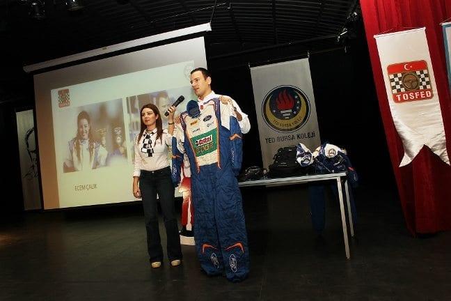TOSFED'den çocuklara trafik güvenliği eğitimi ralli pilotu Orhan Avcıoğlu ile dizi oyuncusu ve co-pilot Ecem Çalık