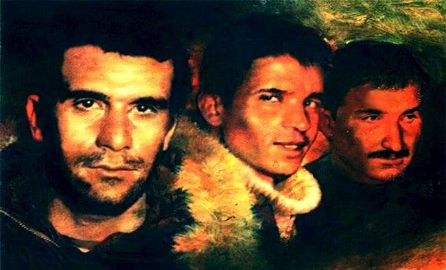 Türk solu o kaybolmuş devrimci geçmişini arıyor. Sömürüyü kaldırma hedefini koymuş Denizleri, Ecevitleri, Aybarları, Kıvılcımlılarını arıyor.