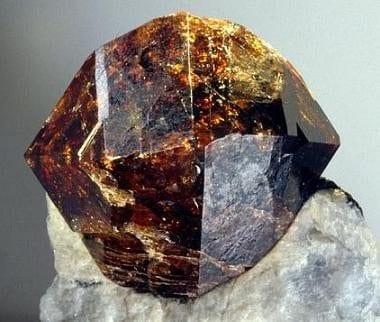 zirkon kristali burçlar