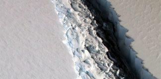 Antarktika'dan dev bir buz kütlesi kopmak üzere
