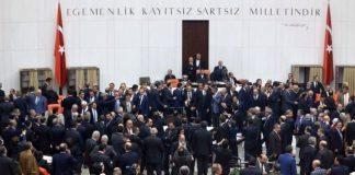 Anayasa değişikliği görüşmeleri: İlk 2 madde kabul edildi