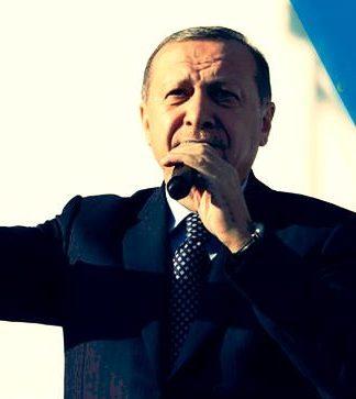 Meclis Genel Kurulu'nda anayasa değişikliği teklifi kabul edilmesiyle Cumhurbaşkanı Erdoğan'dan ilk referandum açıklaması geldi.