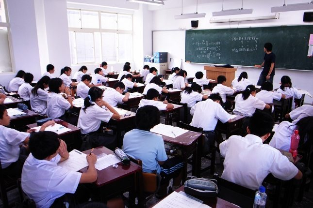 Eğitim-Sen raporu: dindar ve kindar nesil hedefleniyor