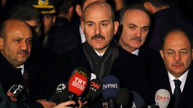 Diyanet İşleri Başkanı Mehmet Görmez, Reina saldırısının camiye düzenlenen bir saldırıdan farkı olmadığını söylemişti.