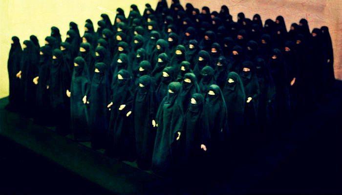 Kuran-ı Kerim'de başörtüsü veya türban var mı? Örtünmek emredilmiş mi? Hangi ayetler ne diyor? İlahiyat profesörü Bahriye Üçok cevaplıyor.